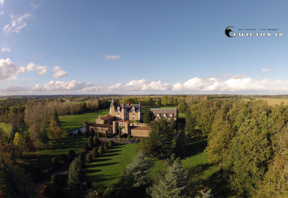 Ch teau de la colaissi re landemont france dronestagram for Chateau de la colaissiere