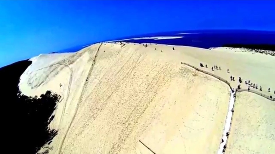 pro drone with Dune Du Pilat on Hole Rock Papago Park additionally Dune Du Pilat also Helices De Drones also Santamonicaflyers also Watch.