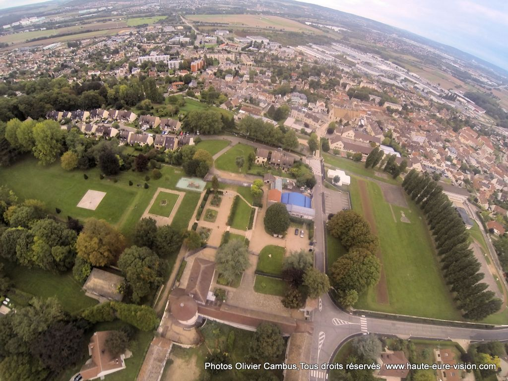Jardin du chateau epone yvelines france dronestagram for Jardin france