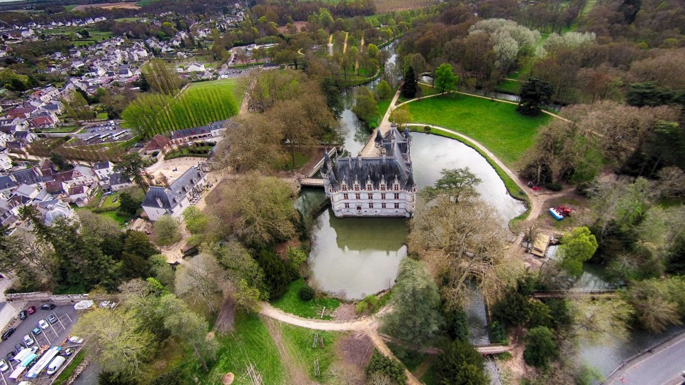 ch teau d azay le rideau azay le rideau indre et loire france dronestagram. Black Bedroom Furniture Sets. Home Design Ideas