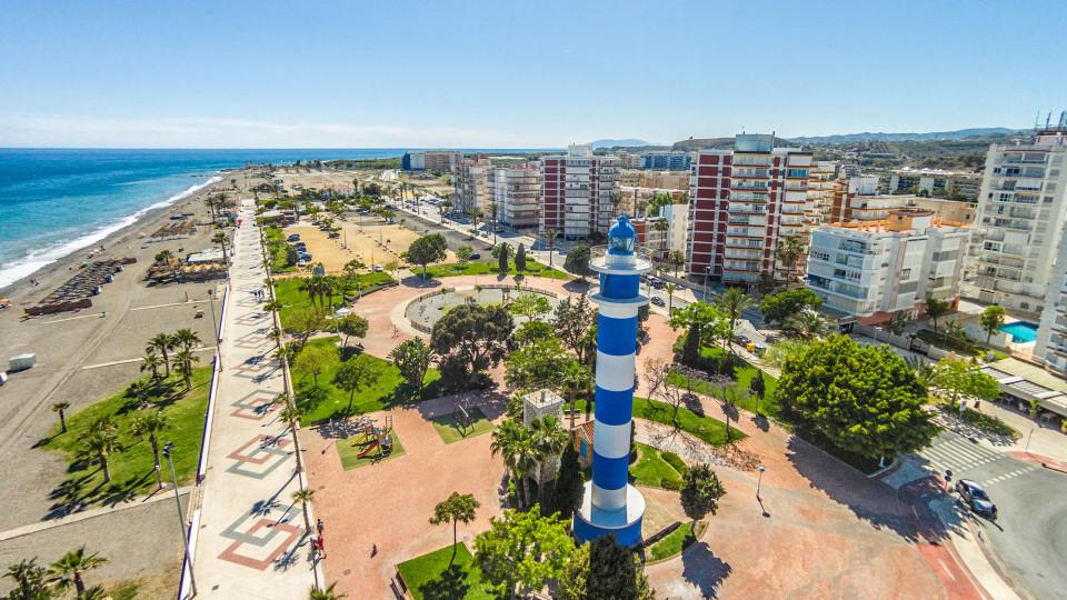 Faro de torre del mar torre del mar malaga spain dronestagram for Cerrajero torre del mar