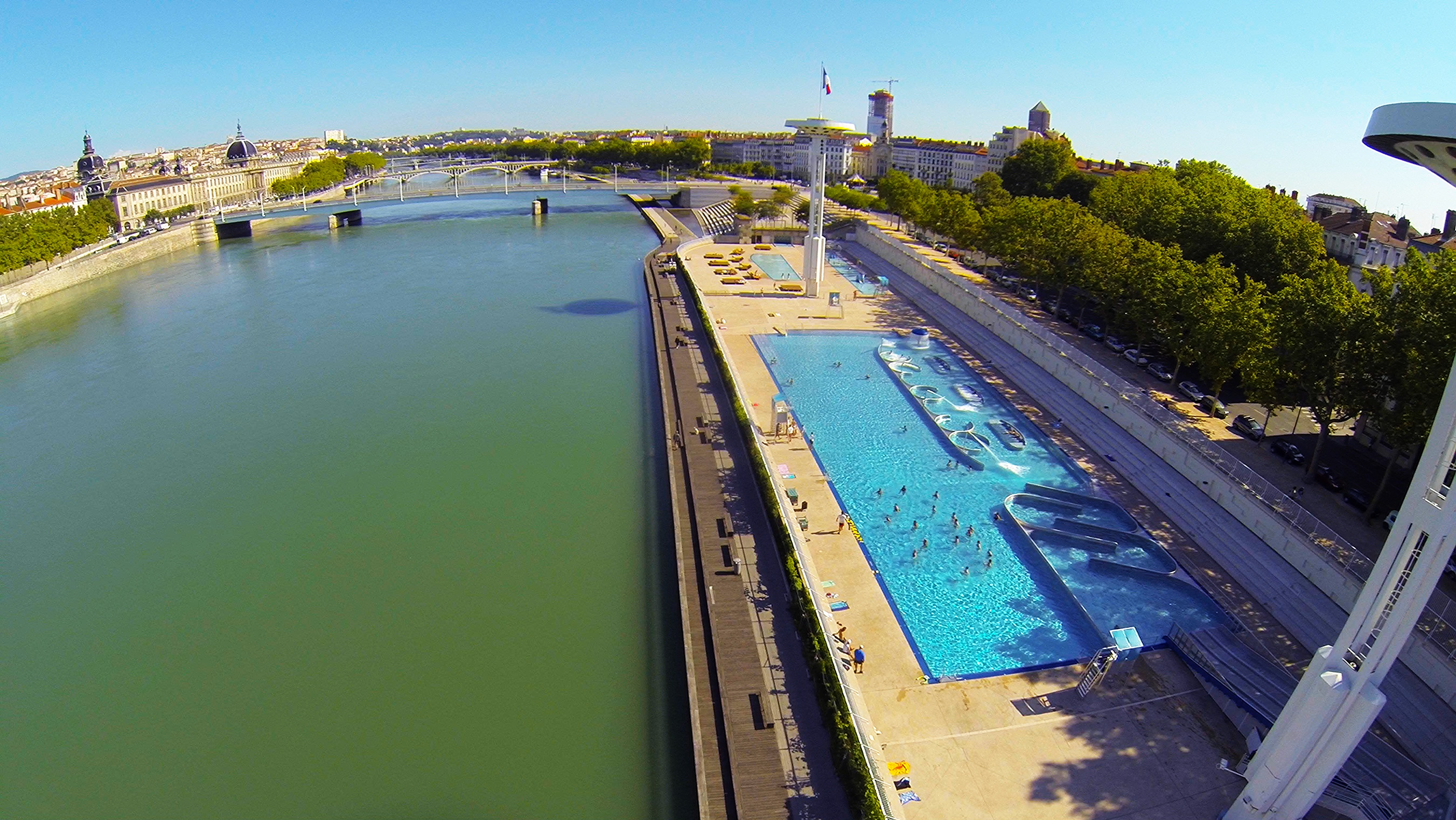 Piscine du rhone dronestagram for Piscine rhone lyon