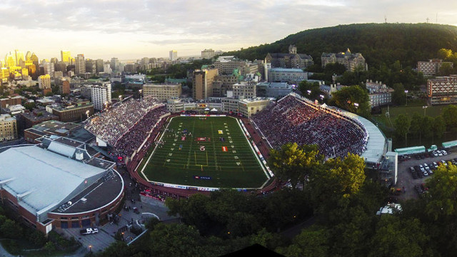Percival Molson Stadium – Downtow Montreal