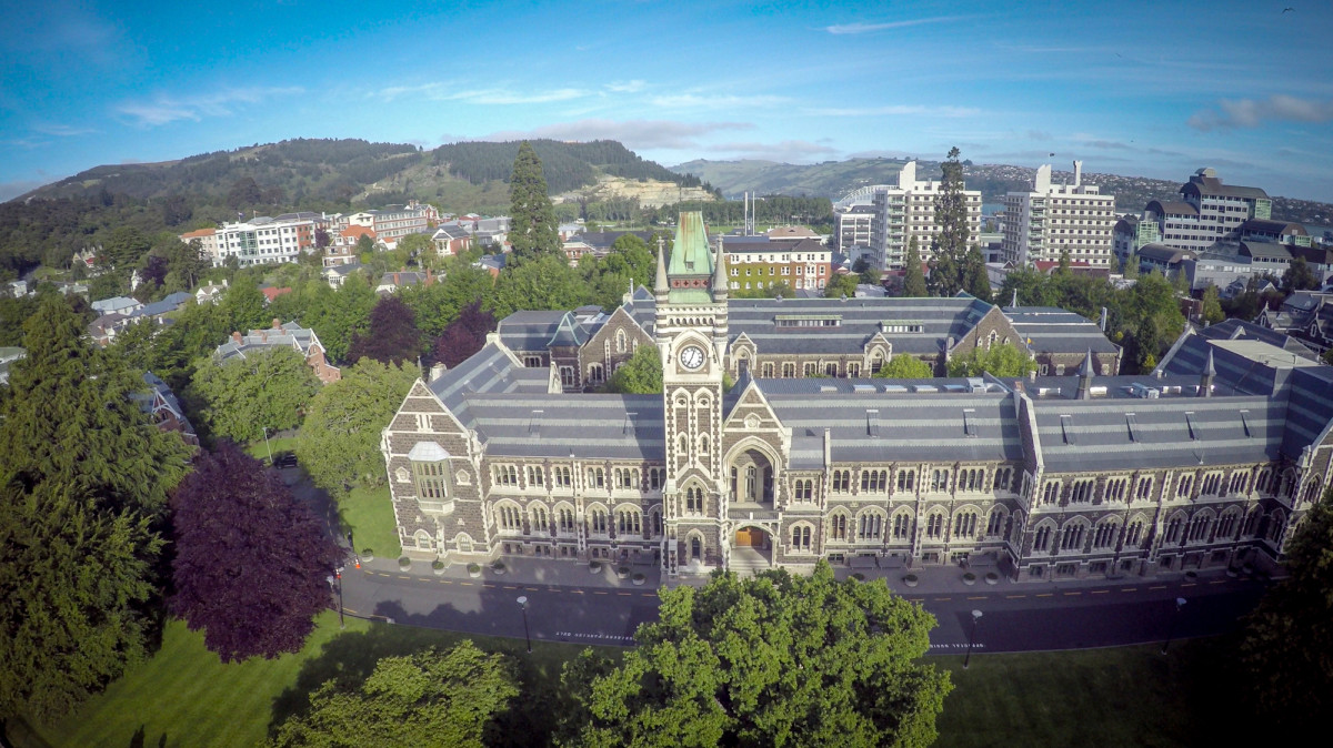 http://www.dronestagr.am/wp-content/uploads/2015/06/GOPR7239.MP4.00_07_47_05.Still001-dunedin-university2-1200x674.jpg