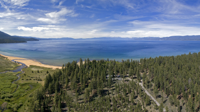 Taylor Creek, South Lake Tahoe, California, USA