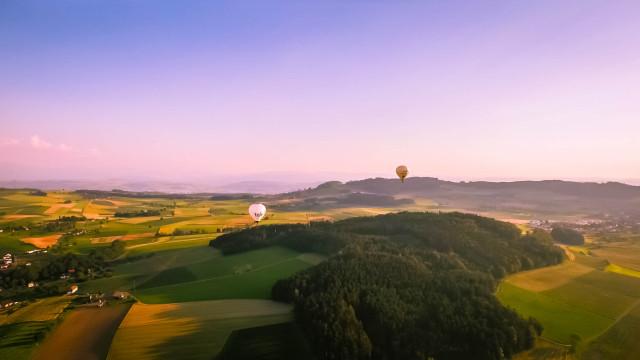 Heissluftballone am Abend
