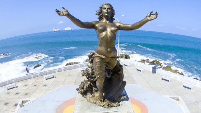 Mazatleca Woman Monument, Mazatlan, Sinaloa, Mexico