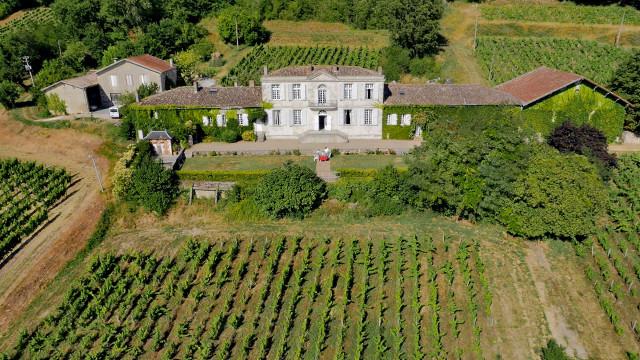 Château à Sainte-Croix du Mont. Aquitaine