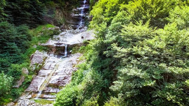 Wasserfall im Verzasca Thal