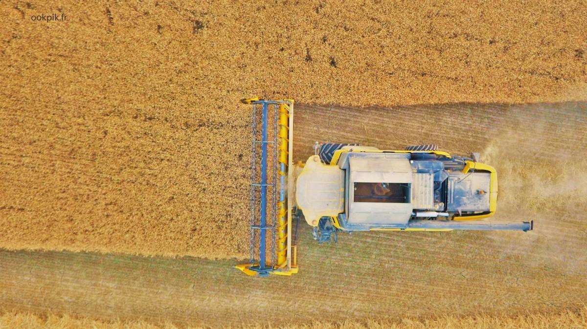 New Holland près de Metz, Lorraine, photo par drone