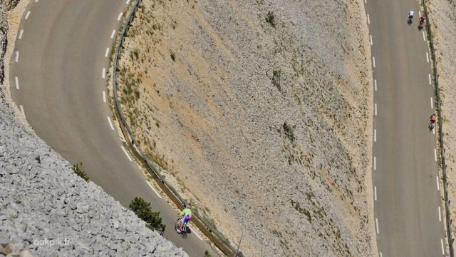 Photo par drone d'une course cycliste au Mont Ventoux, Vaucluse, France