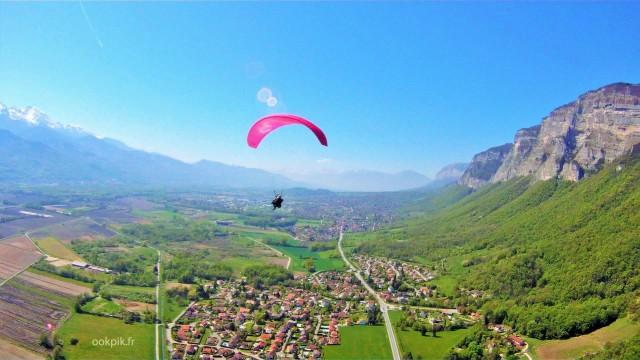 Vol en parapente, photo par drone, Grenoble, Rhône Alpes