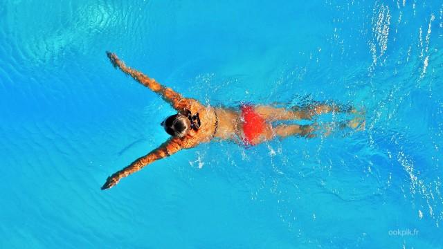 Promotion immobiliere par drone, villa avec piscine, Rennes, Bretagne, France