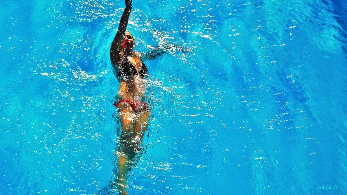 Promotion immobiliere par drone, villa avec piscine, Saint-Tropez, France