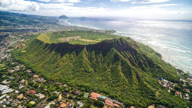 Diamond Head Crater Trail, Oahu , Hawaii, USA