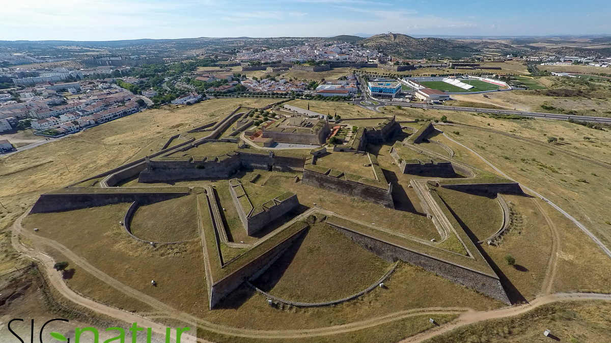 drones and privacy with Fuerte De Santa Lucia De Elvas Portugal on Agmachinery moreover 10 likewise 201612211048822807 Norway Airplane Wash besides Attachment in addition Attachment.