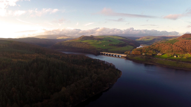 Ladybower Reservoir, Peak District (UK).