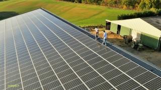 Panneaux solaires, prise de vues aeriennes par drone, Loiret, France