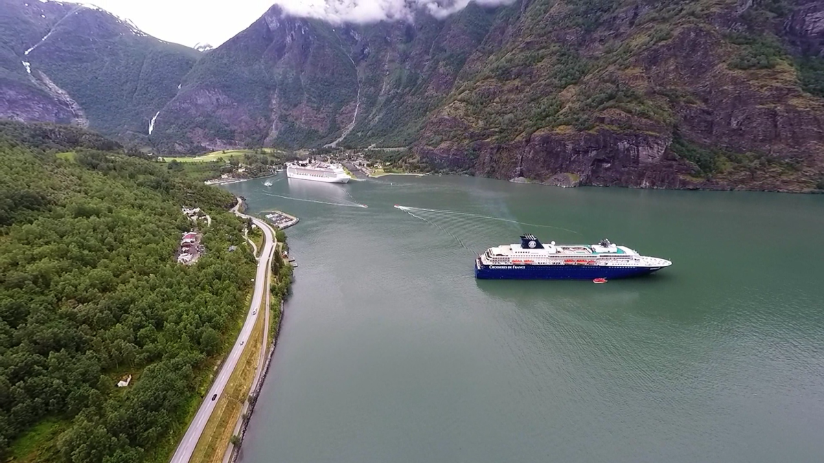 drone with gopro with Norway Flaam Fiords on Gopro also Mklcc diytrade likewise Video Odyssee En Antarctique 156933 as well Norway Flaam Fiords together with 4nc8AAzkB5o.