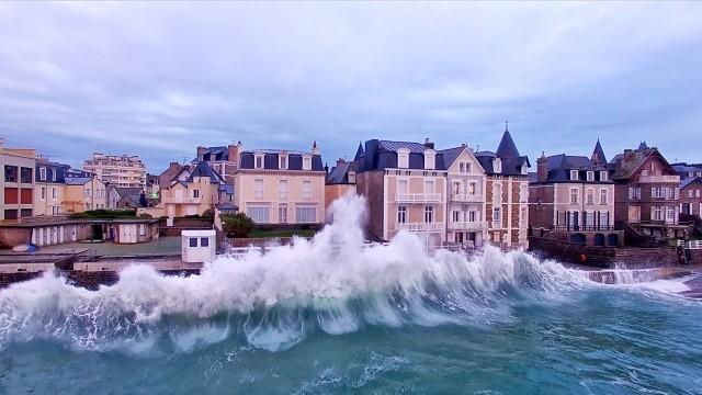 Les Grandes Marées survolées par le Drone d'EASY RIDE-Saint-Malo-Bretagne en 4K