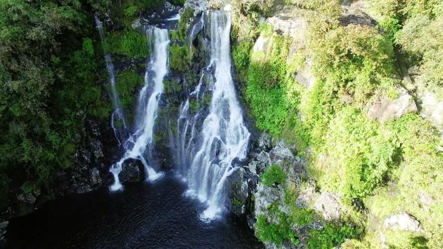 waterfall carosse reunion island