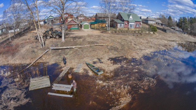 "Spring. The river ""Mologa"". Floods."