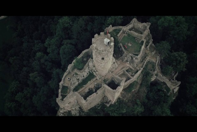 2016 Drone Experience Film Festival's candidate : Running Into the Air