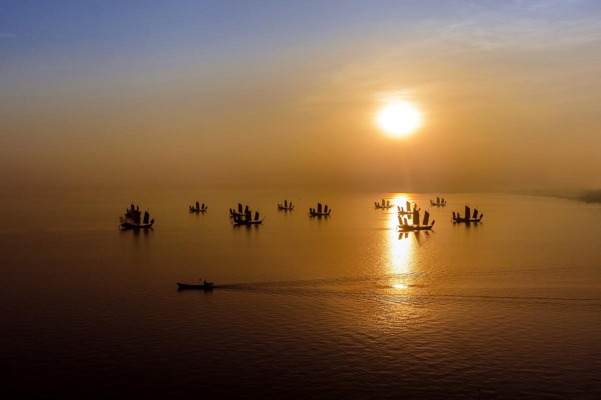 Lake Tai, Southern China