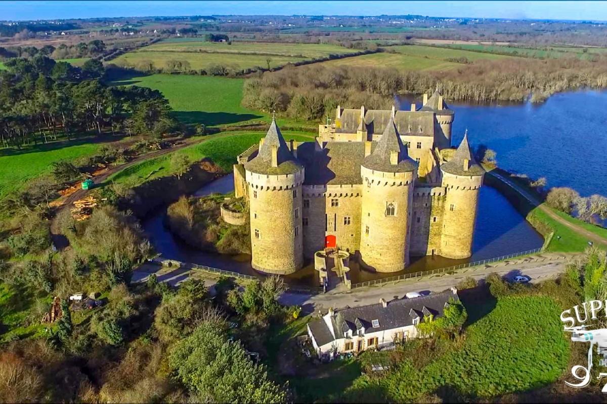 chateau-de-suscinio-retouch%C3%A9-1200x800.jpg