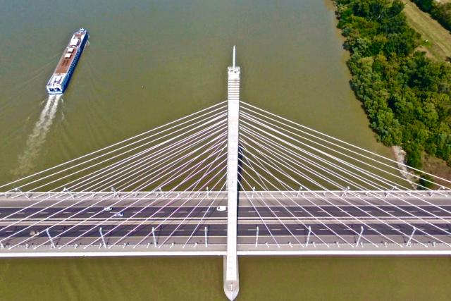Megyeri-bridge