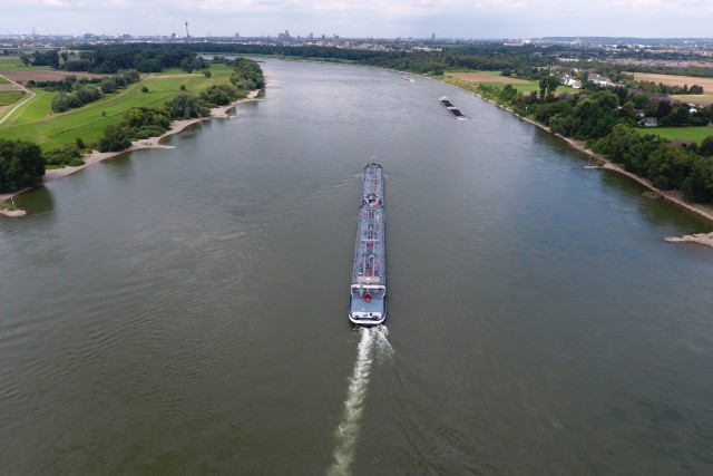 Rhein, KM 730, Düsseldorf