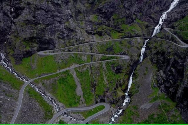 Trollstigen og Stigfossen, Rauma, Norge