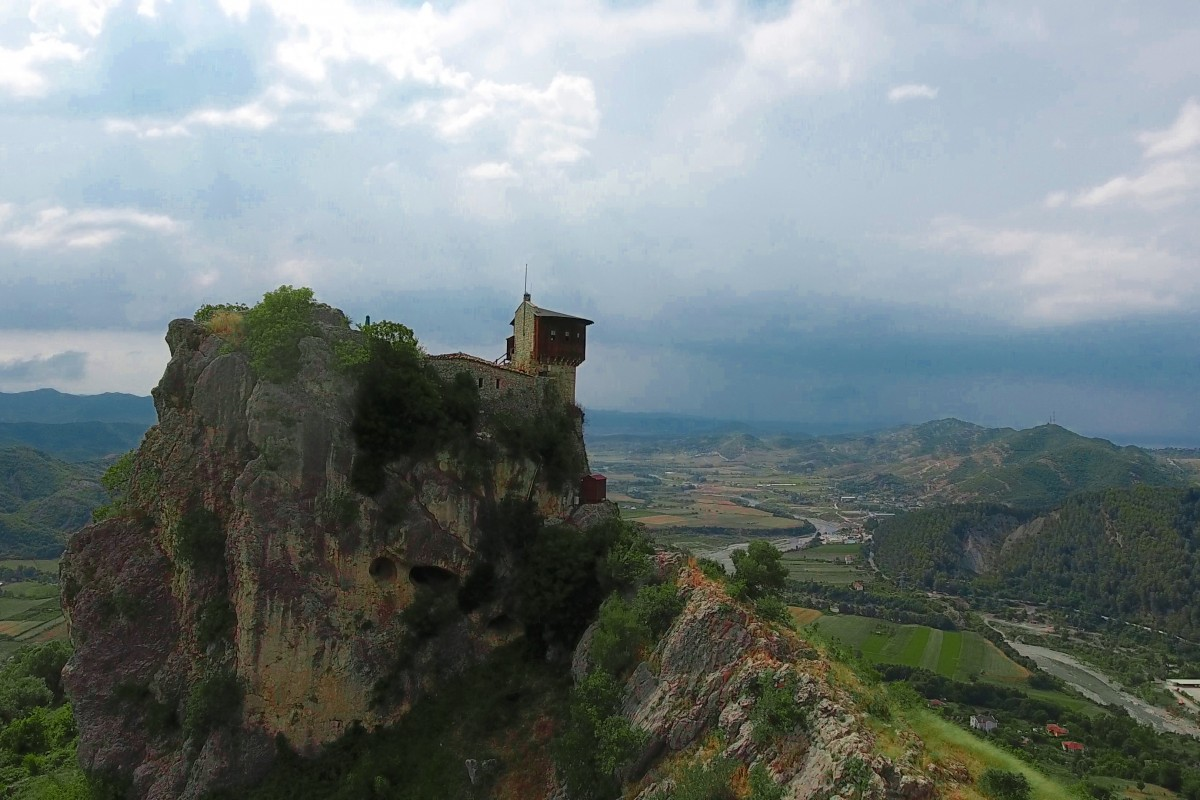 Kalaja Petrelit, Albania