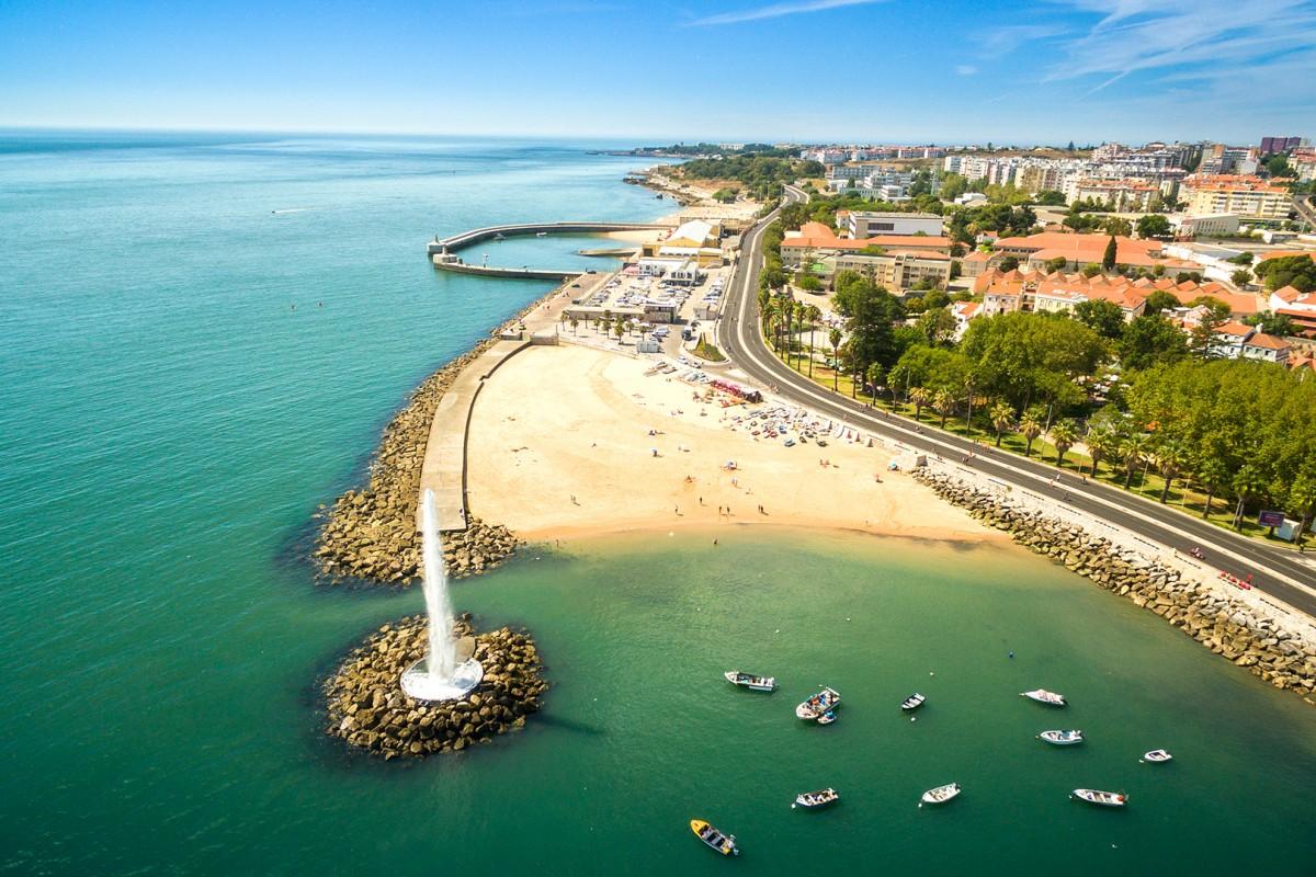 Praia Velha, Paço de Arcos, Portugal