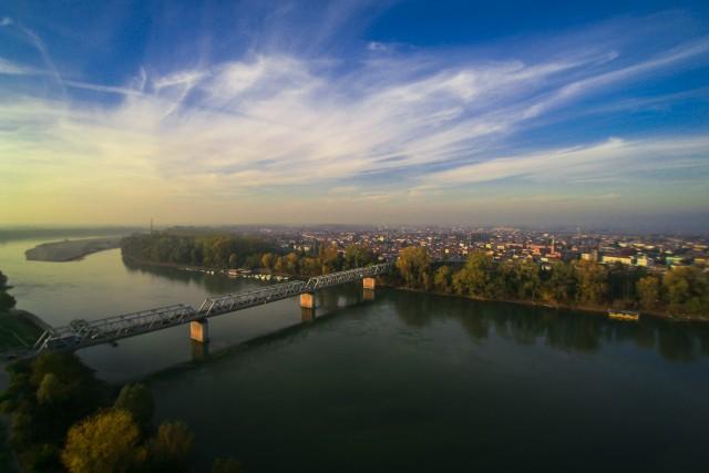 Ponte sul Fiume Po, Ferrara, Italia