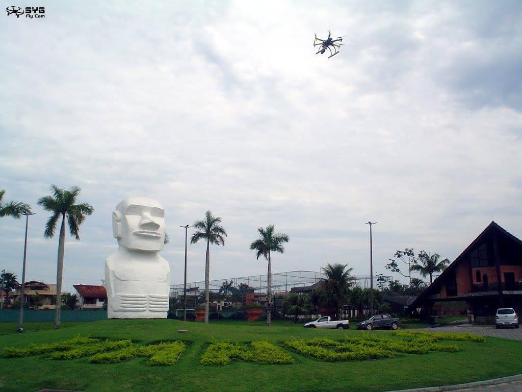 Moal Hanga Roa Olhando o Drone