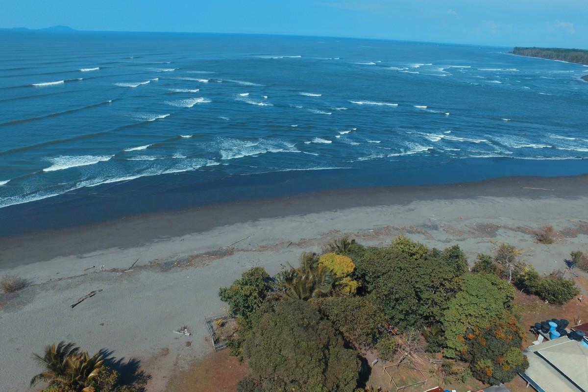 Vereda Mulatos , costa pacífica de Colombia.
