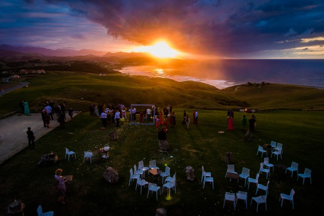 AMAZING WEDDING SUNSET
