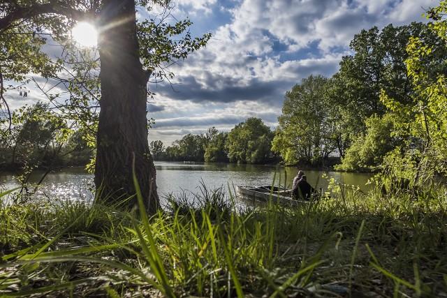 Anglers on Holt-Körös