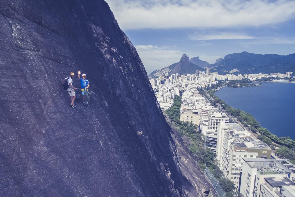 Climbing in Morro Cantagalo, Rio de janeiro / Brasil