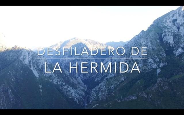 Desfiladero de La Hermida Cantabria y Asturias a vista de Dron/ Drone flight over la Hermida Pass