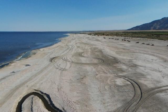 Salton Sea, exposed playa