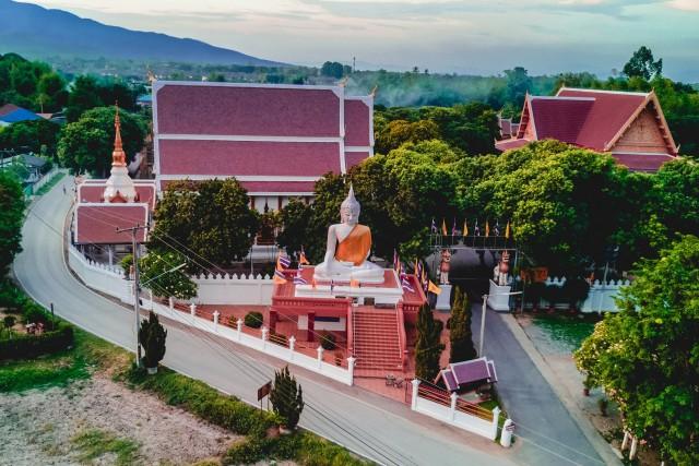 Chiang Mai Temple – Thailand – Hang Dong