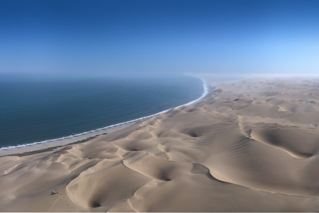 The Picnic on Skeleton Coast