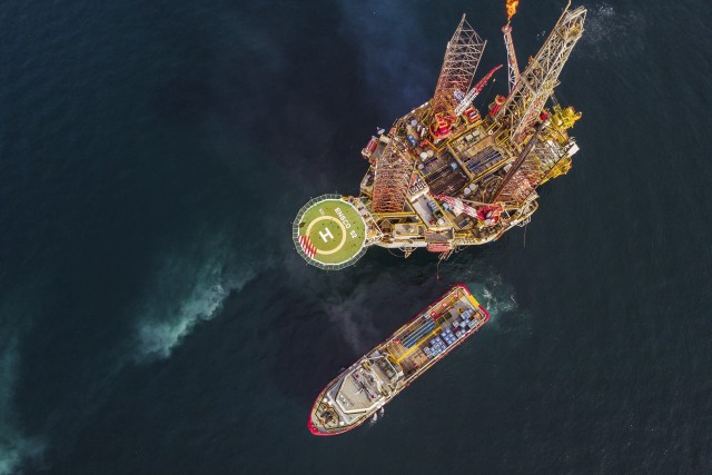 Drilling Platform and Offshore Supply Vessel