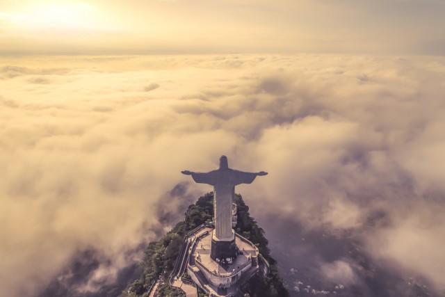 Fog day in Rio – Cristo Redentor, Rio de janeiro – Brasil.