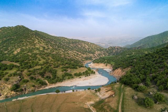 Mountain view of Tabarak River