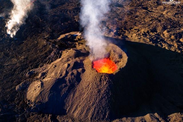Lac de feu – Fournaise en éruption