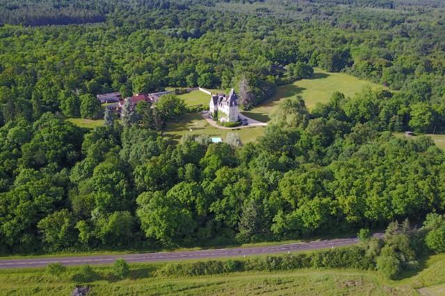 Chateau de Montour