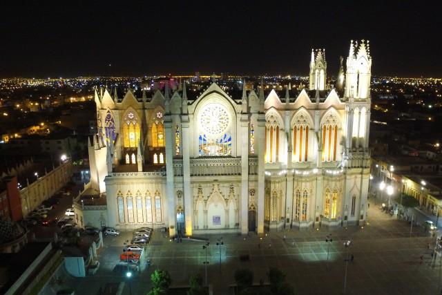 Templo Expiatorio de noche en León México